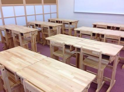学習塾への固定学童椅子 机セットの納品
